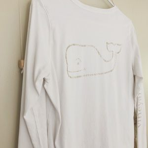 ✧ Vineyard Vines Gold LS tee ✧